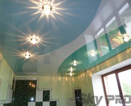 Фото криволинейных спаек натяжного потолка
